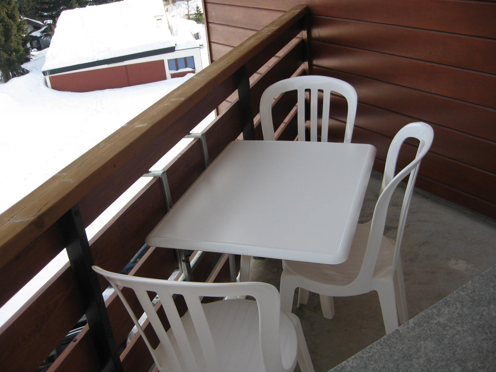 Table pour balcon - Table balcon pliante rabattable ...